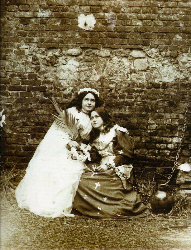 Thérèse de Lisieux et Céline, dans Jeanne d'Arc 1894